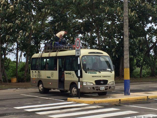 Peru2015_077airport_pickup