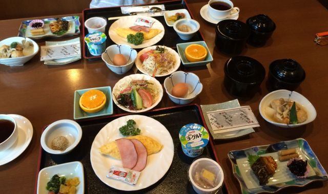 japan16-yakushima-onsen-breakfast